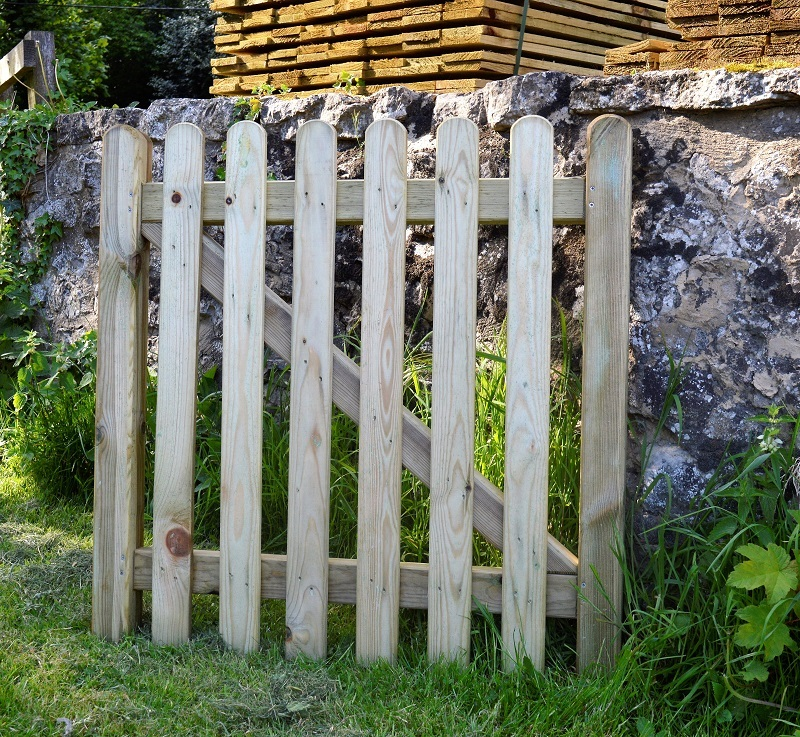 Timber-Garden-Vertical-Lat-Gate